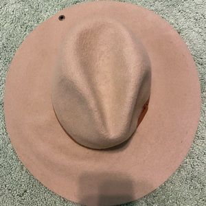 Peter Grimm Tan Hat